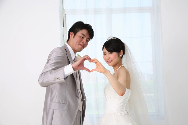 [C]結婚式費用を左右する見積書価格を見極める4つのポイント