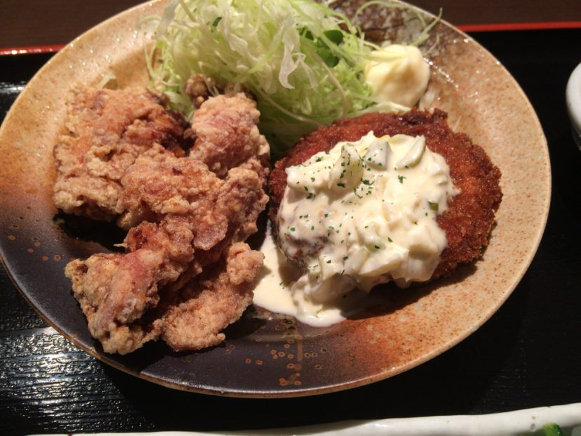 [C]心斎橋で鶏mottoの満腹ランチ。メンチ南蛮がやみつきの美味さ!
