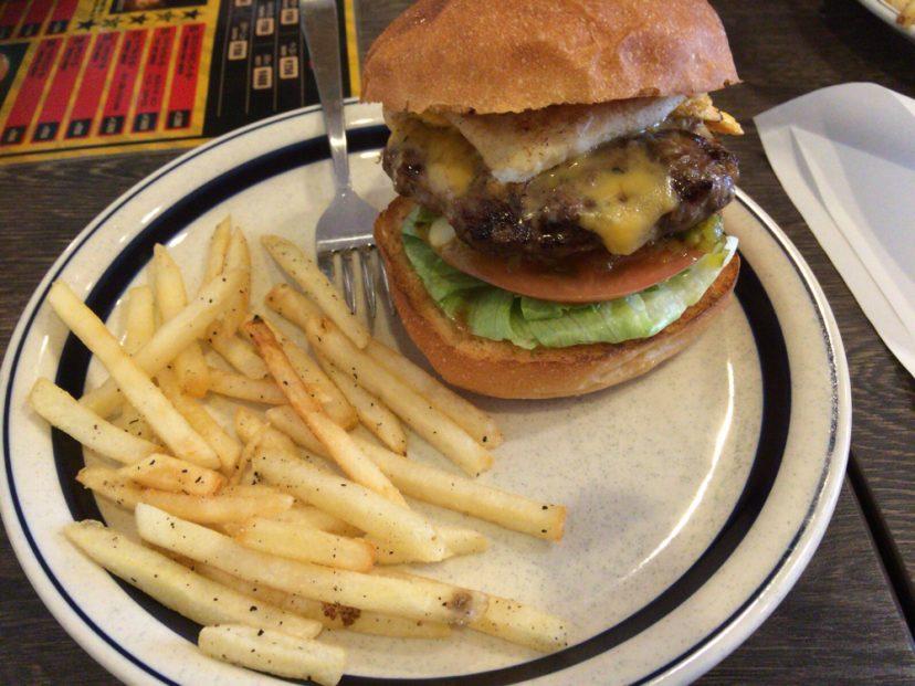 [C]大阪・阿波座「バーガリオン」ハンバーガーに人生を捧げたとまで言い張るハンバーガーを君はもう食べたか?