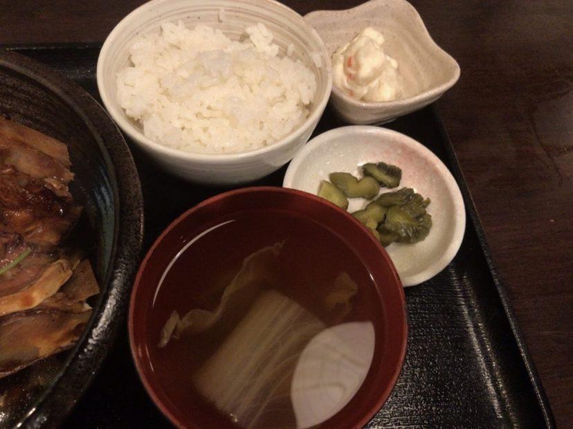海鮮酒場 ぱたぱたの小鉢・漬物・汁物とご飯