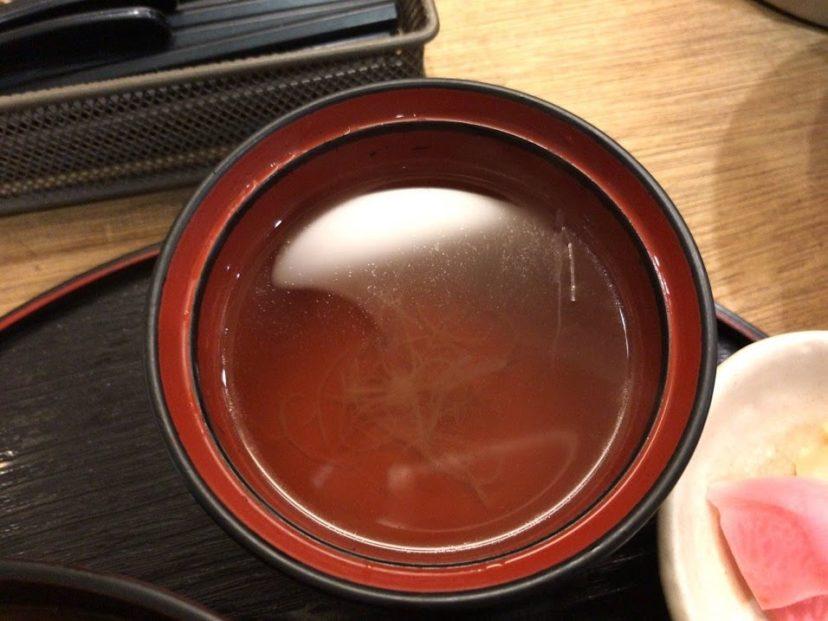 とりテッチャンとせせりの甘辛丼についていたスープ