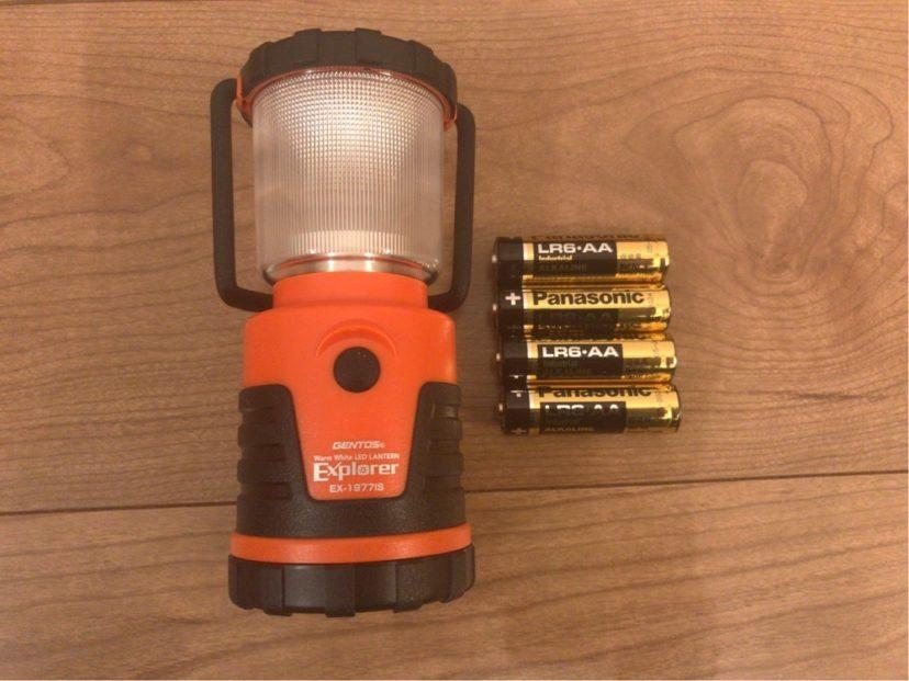 付属品で単三電池が4本付いてくる
